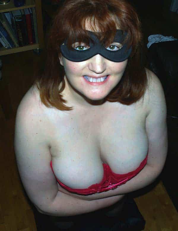 Plan cul Abergement-de-Varey (01) avec femme à gros seins naturels